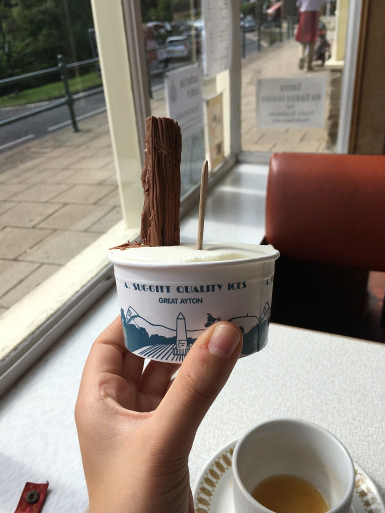ice cream in tub with flake inside cafe